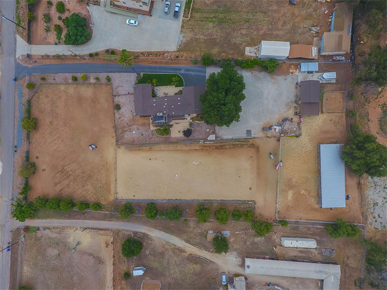 Lucerne Valley Equestrian Facility available for lease. Lucerne Valley, CA.