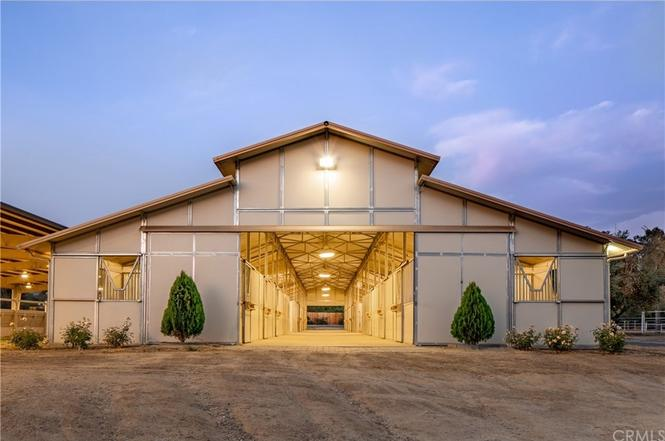 Equestrian facility for rent in Yucaipa, CA!